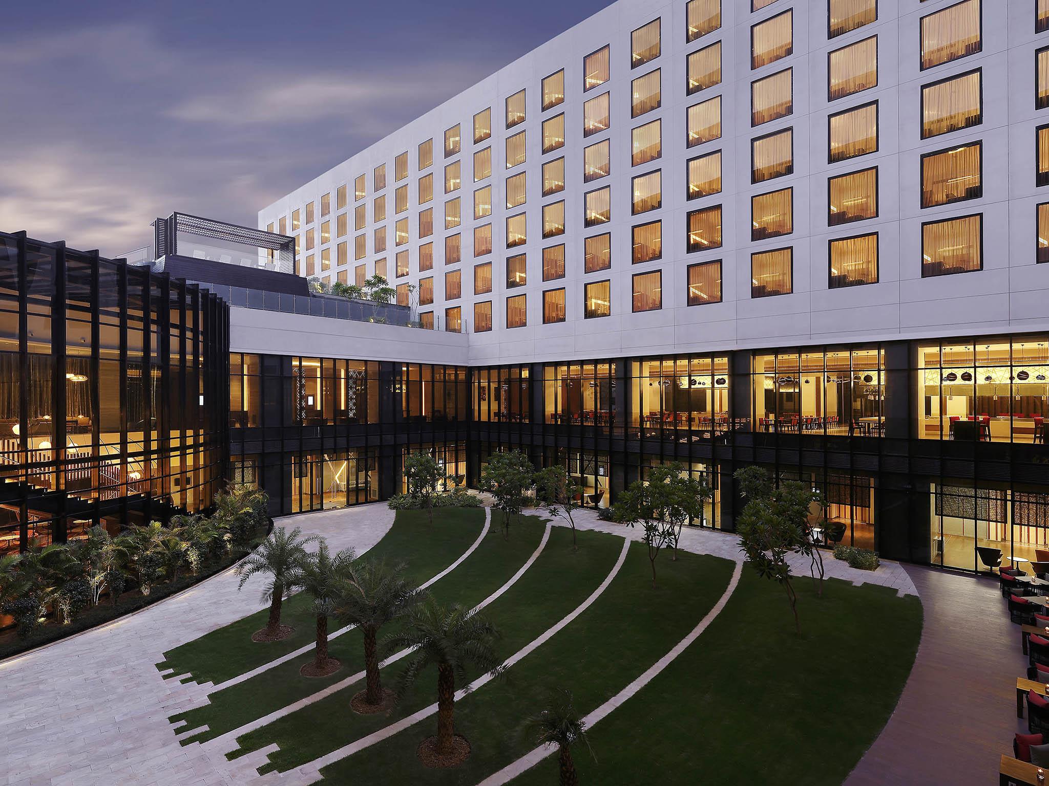 โรงแรม – Novotel New Delhi Aerocity