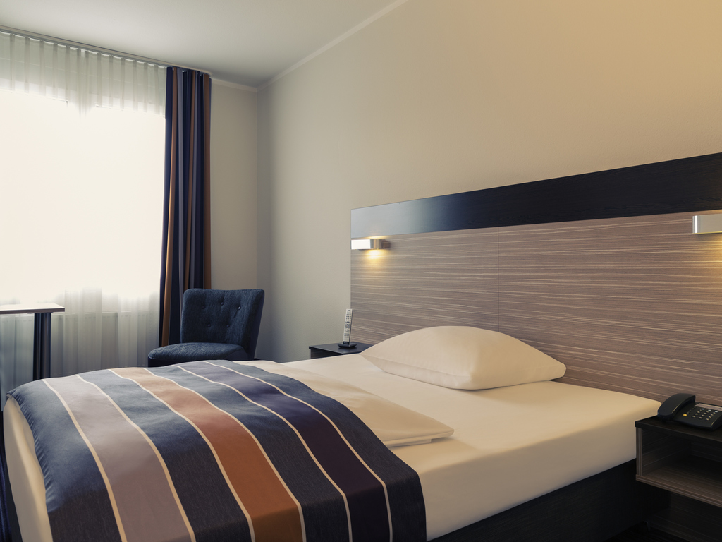 hotel in gerlingen mercure hotel stuttgart gerlingen. Black Bedroom Furniture Sets. Home Design Ideas