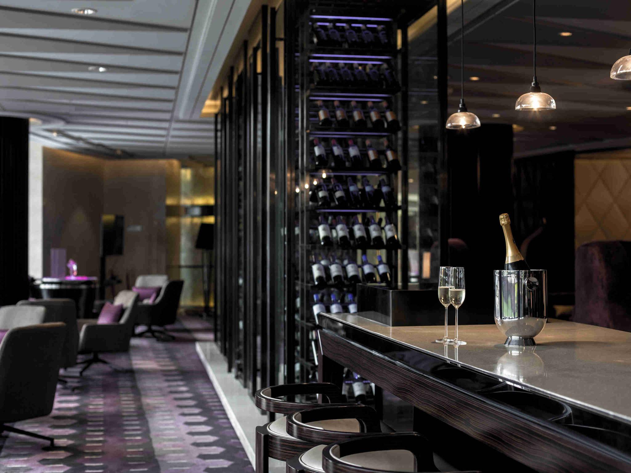 restaurant einzimmer k252che bar wie hoch sollte die