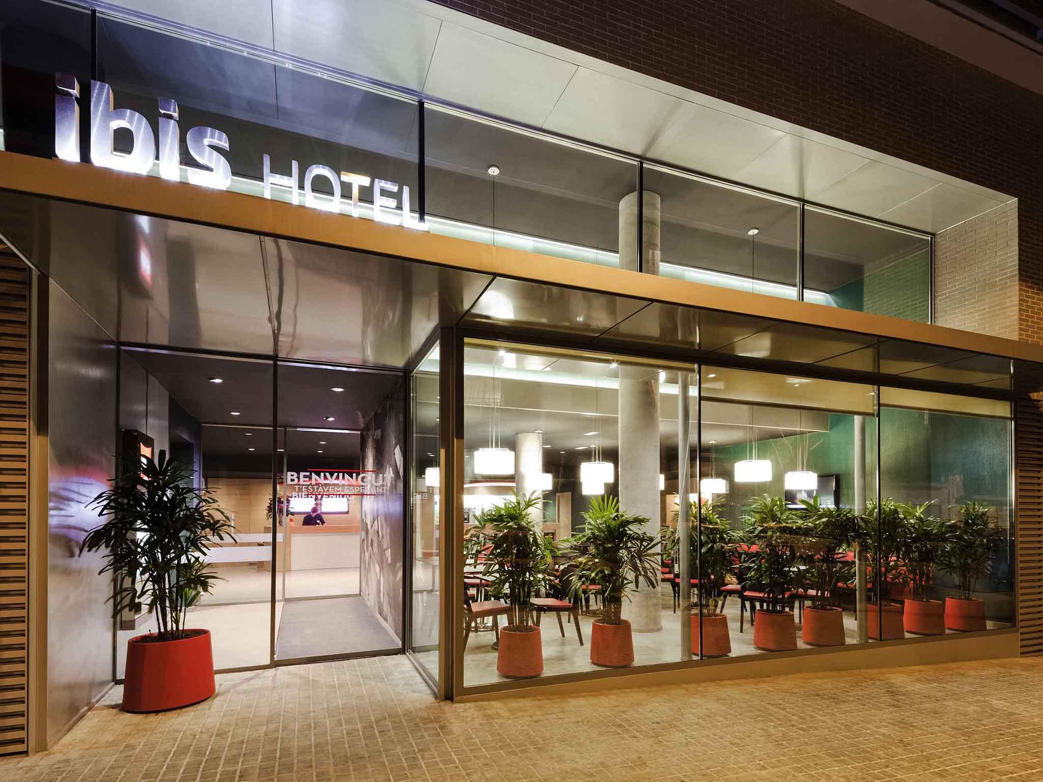 Otel – ibis Barcelona Centro (Sagrada Familia)