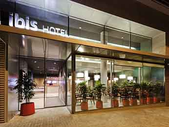 Hotel in barcelona book at the ibis hotel incentral for Hoteles en bcn centro