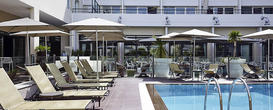 Hotel avignon novotel avignon centre for Hotel avignon piscine