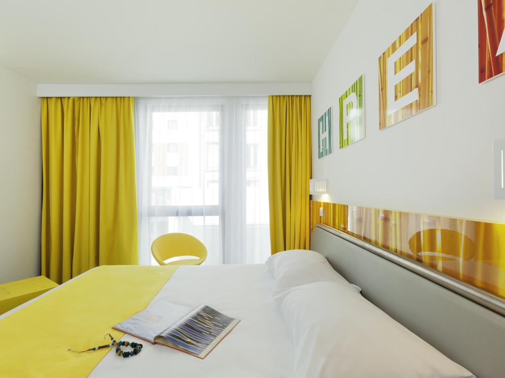 hotel pas cher montrouge ibis styles paris porte d 39 orl ans. Black Bedroom Furniture Sets. Home Design Ideas