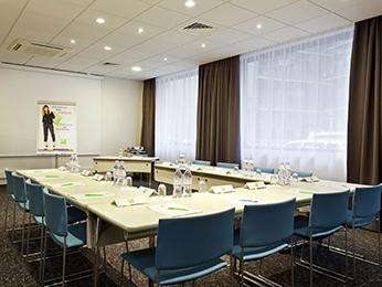 hotel pas cher montrouge ibis styles paris porte d 39 orleans. Black Bedroom Furniture Sets. Home Design Ideas
