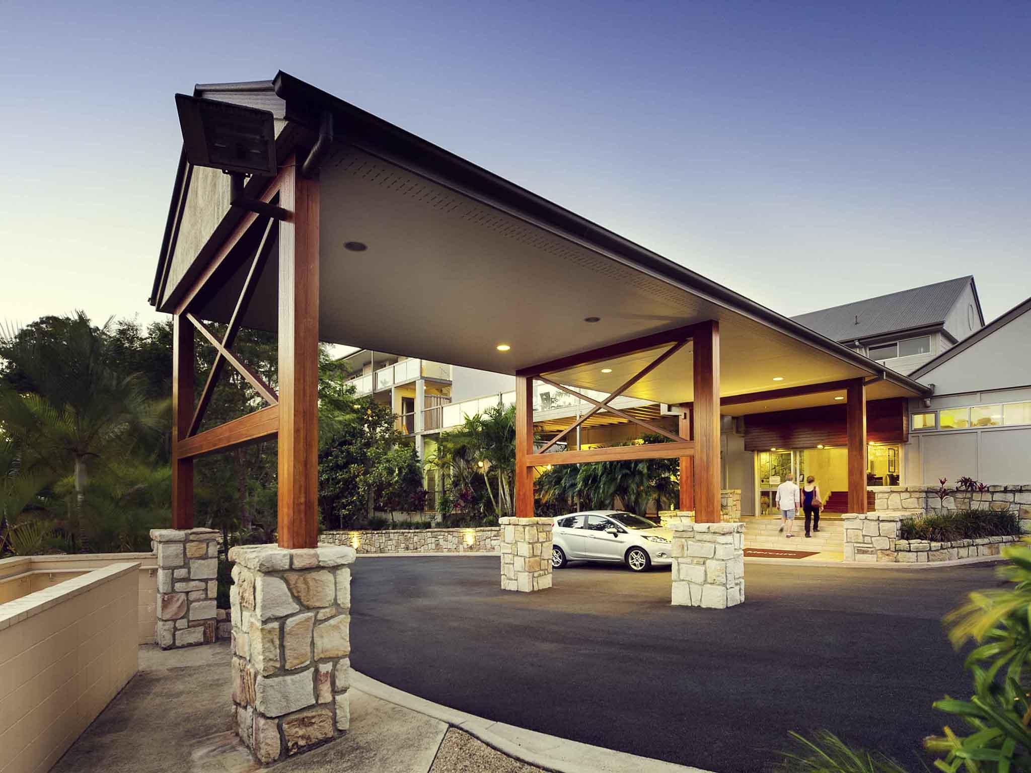 Отель — Mercure Clear Mountain Lodge