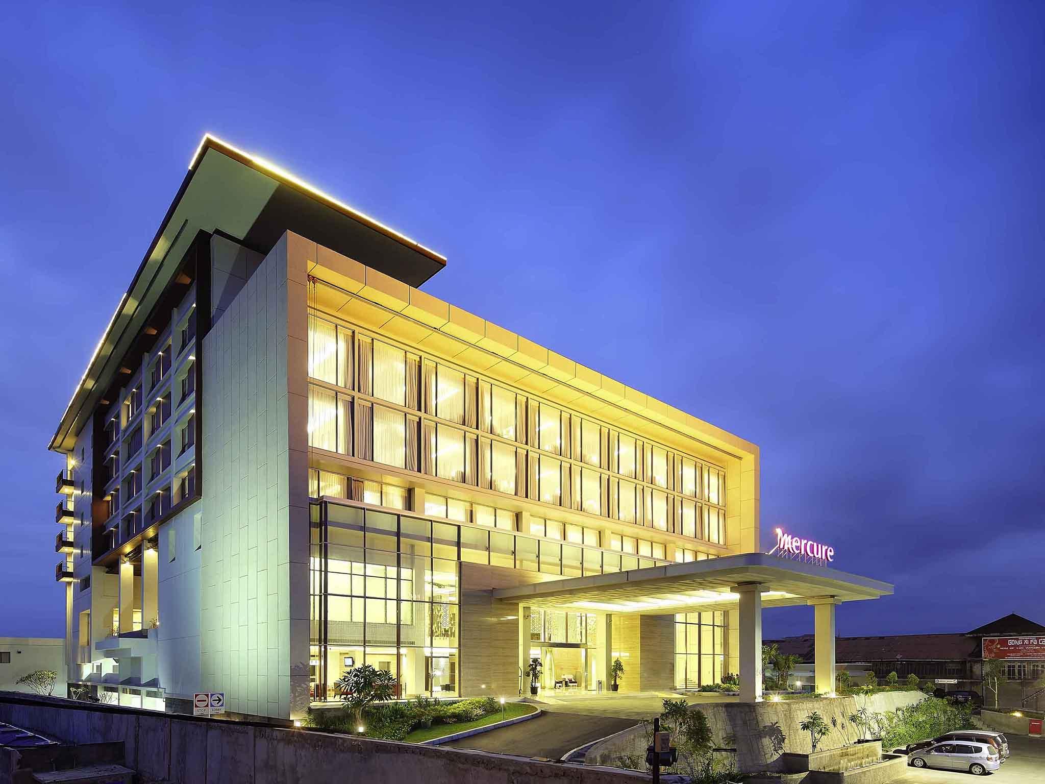 โรงแรม – Mercure Padang