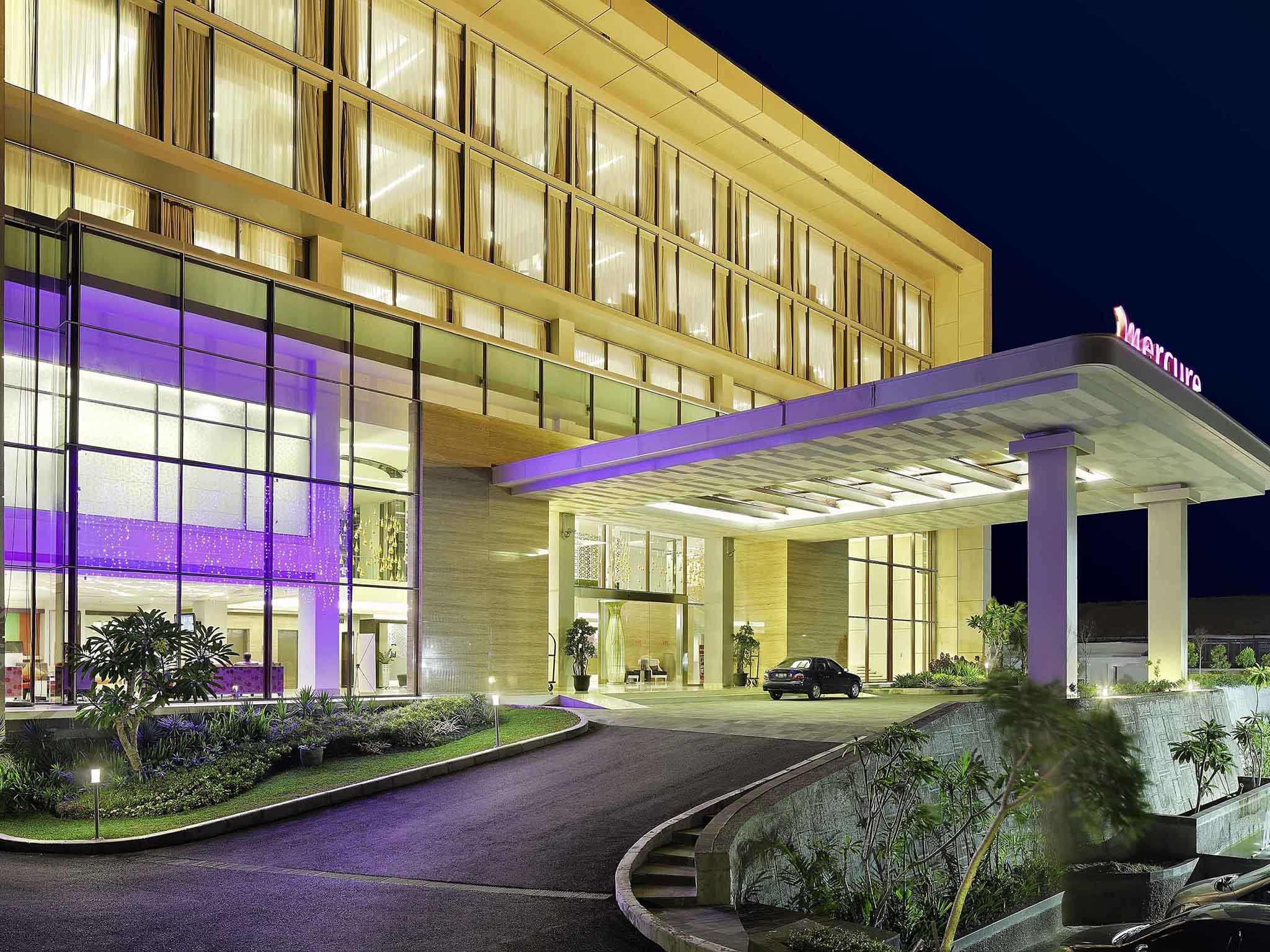 Hotel In PADANG