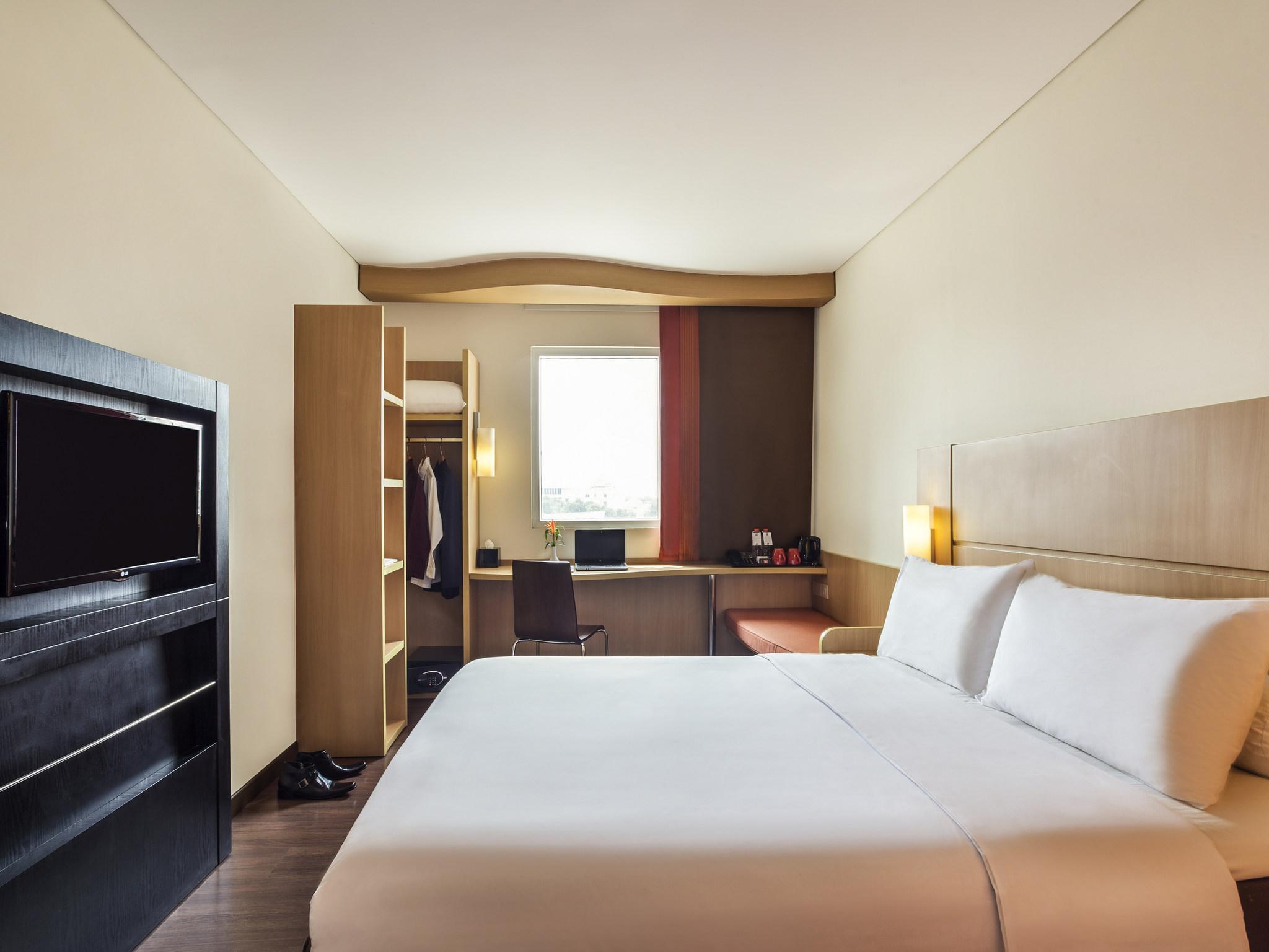 Отель — ibis Сурабая Сити Центр