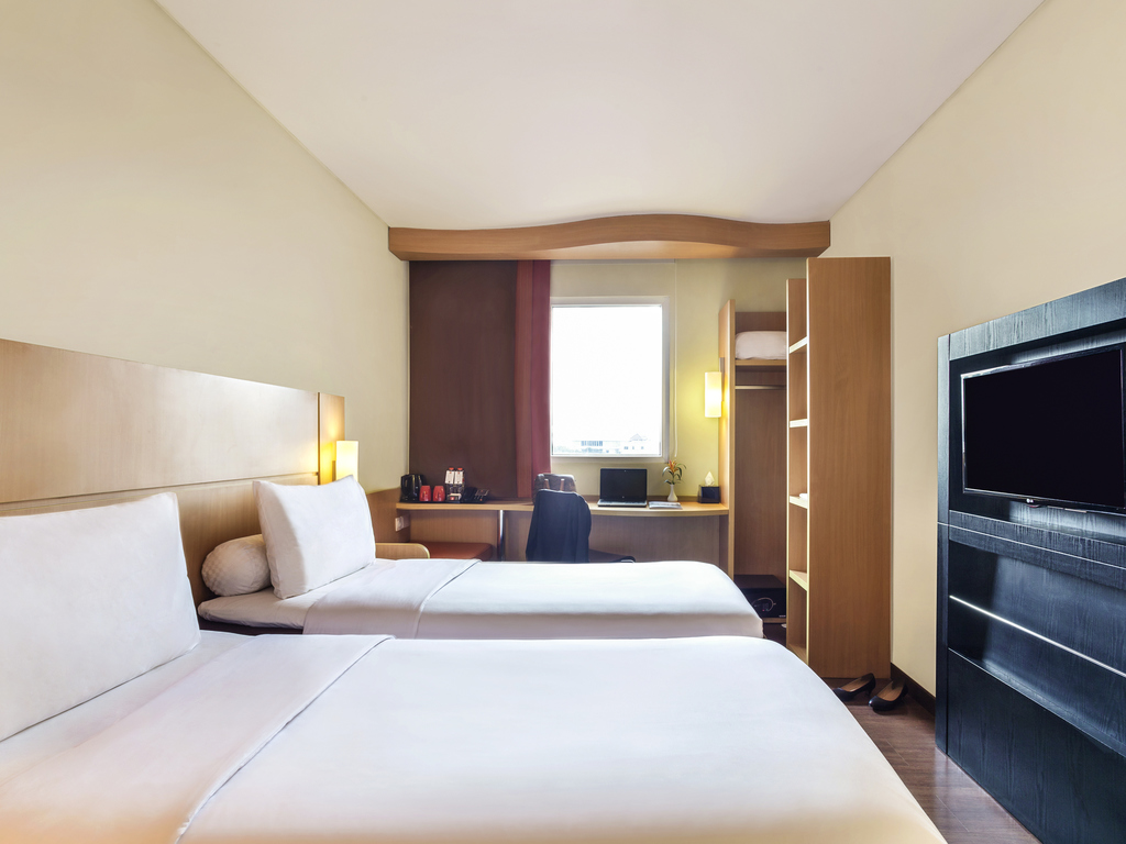 Hotel In Surabaya Ibis City Center Voucher Indomaret 100 X10pcs Standard 2 Single Beds