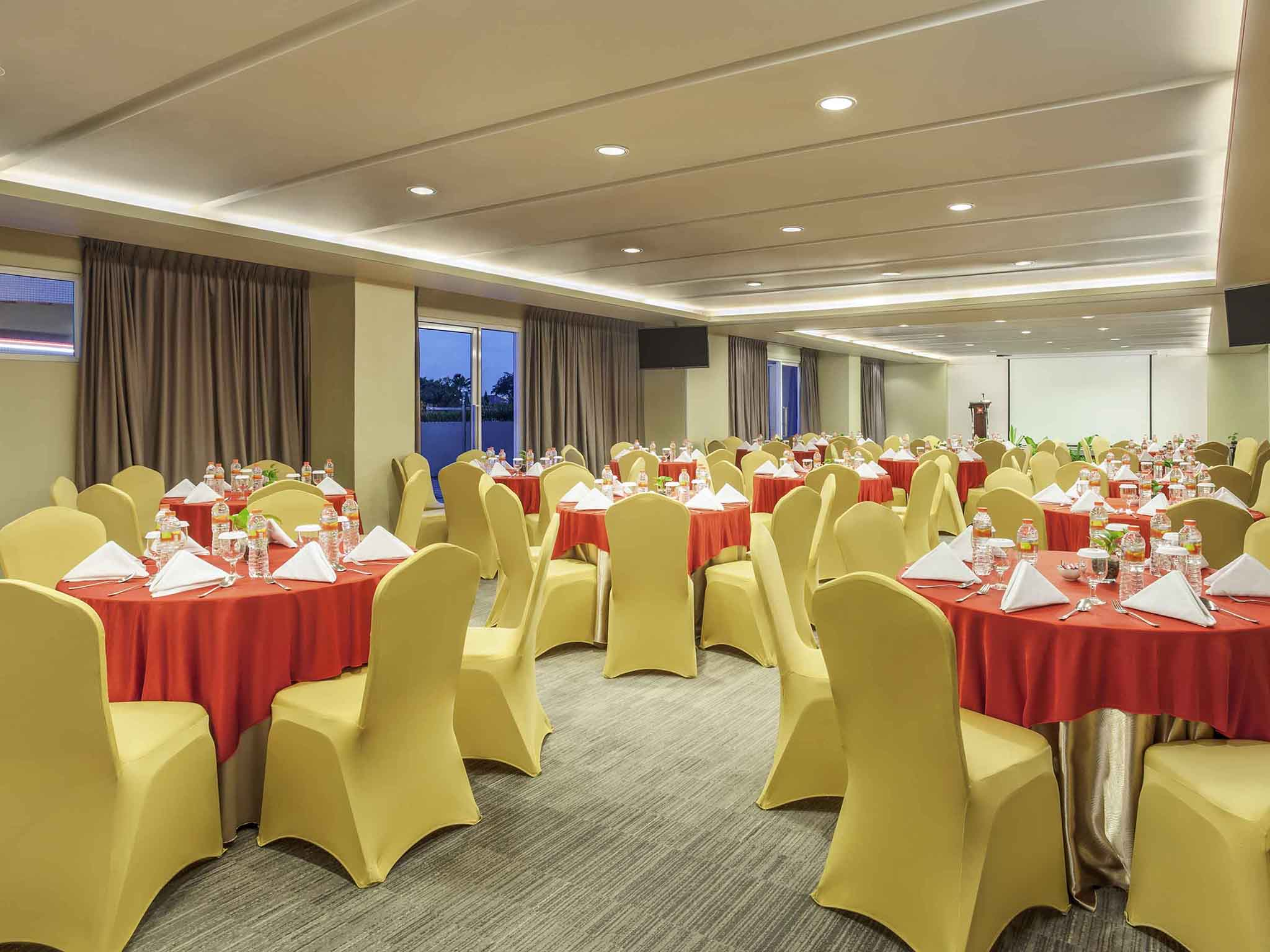 Hotel in surabaya ibis surabaya city center meetings and events ibis surabaya city center junglespirit Gallery