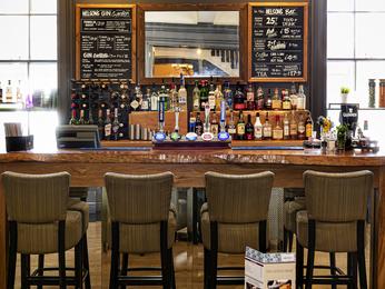 restaurant caf bar l 39 hotel mercure southampton centre dolphin southampton. Black Bedroom Furniture Sets. Home Design Ideas