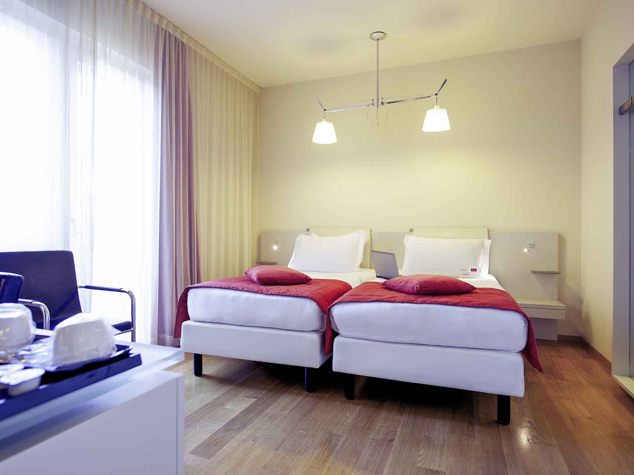 Bed and breakfast navigli milano bed and breakfast for Bed and breakfast milano