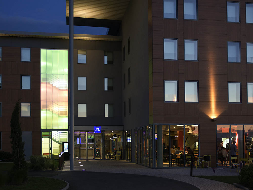 hotel in lyon saint exupery aeroport ibis budget. Black Bedroom Furniture Sets. Home Design Ideas