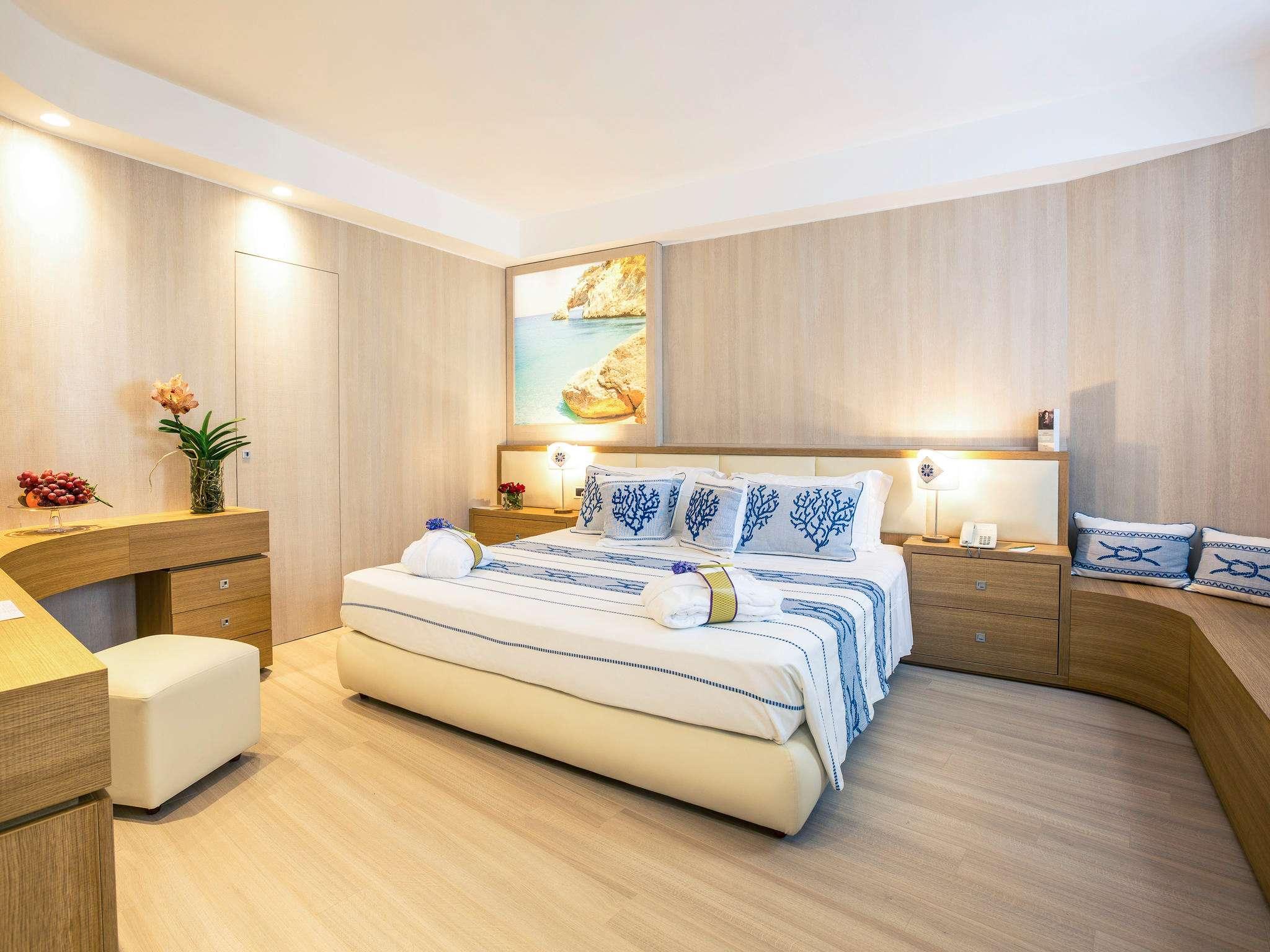 โรงแรม – Mercure Olbia