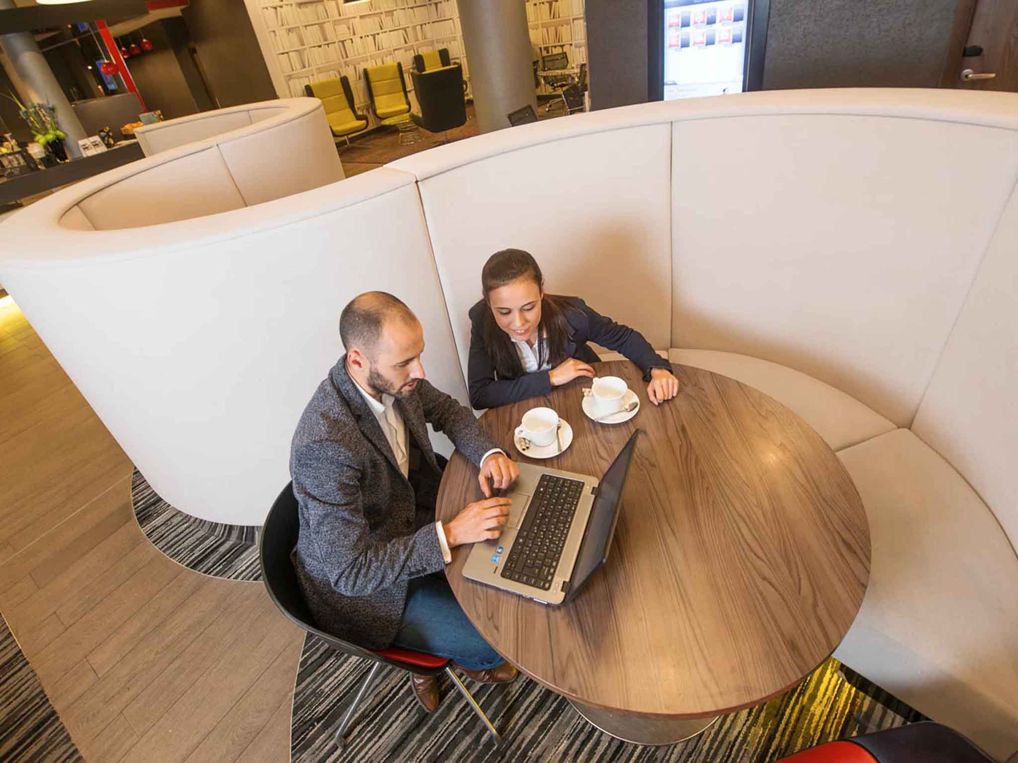 velocità dating giovane Londra incontri gratuiti e chating