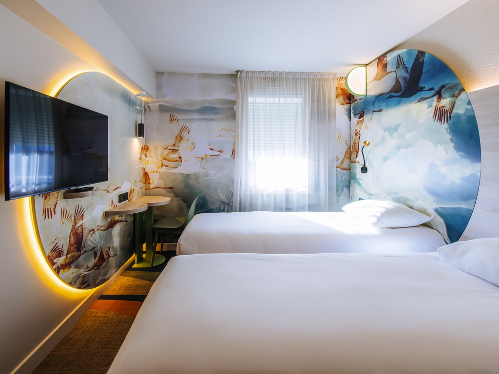 hotel pas cher antibes ibis styles antibes. Black Bedroom Furniture Sets. Home Design Ideas