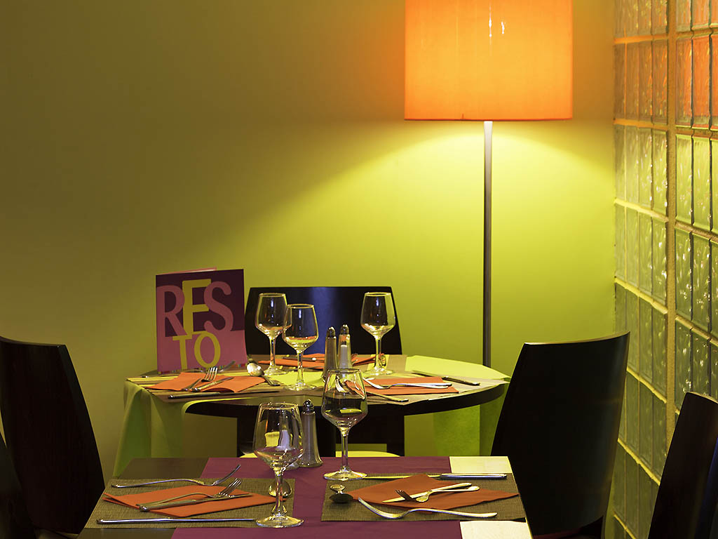 restaurant ibis styles antibes restaurants by accorhotels. Black Bedroom Furniture Sets. Home Design Ideas