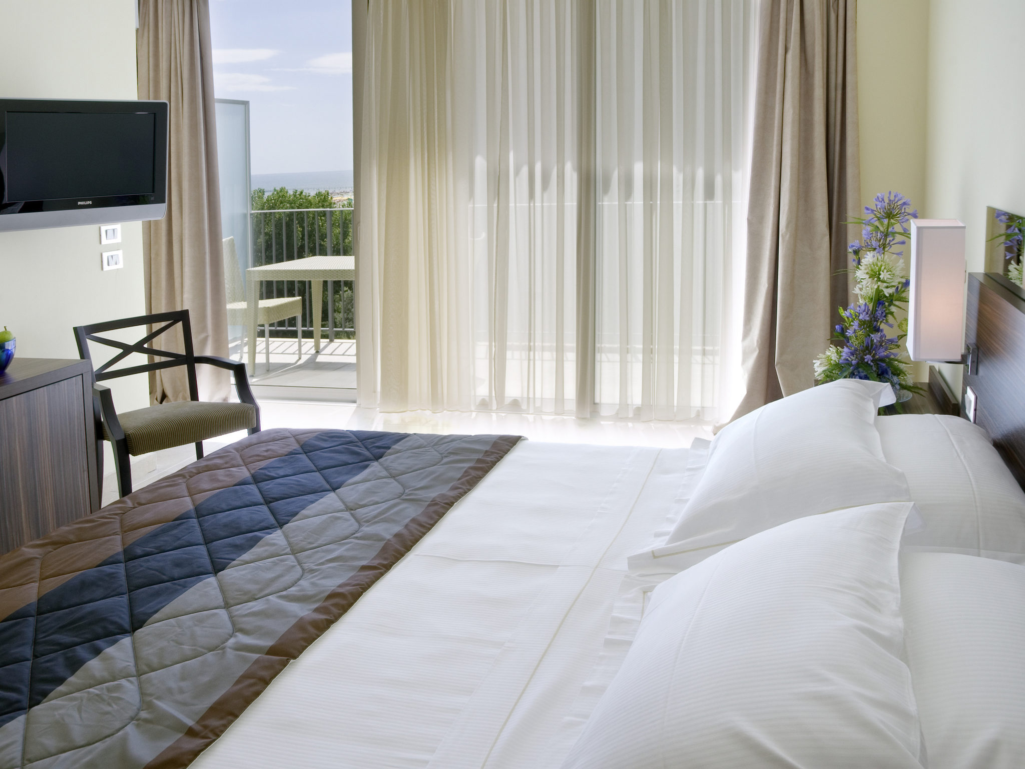 Отель — Mercure Rimini Lungomare