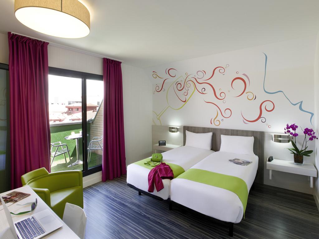 Hotel A Madrid Prenota All 39 Hotel Ibis Styles Madrid Prado