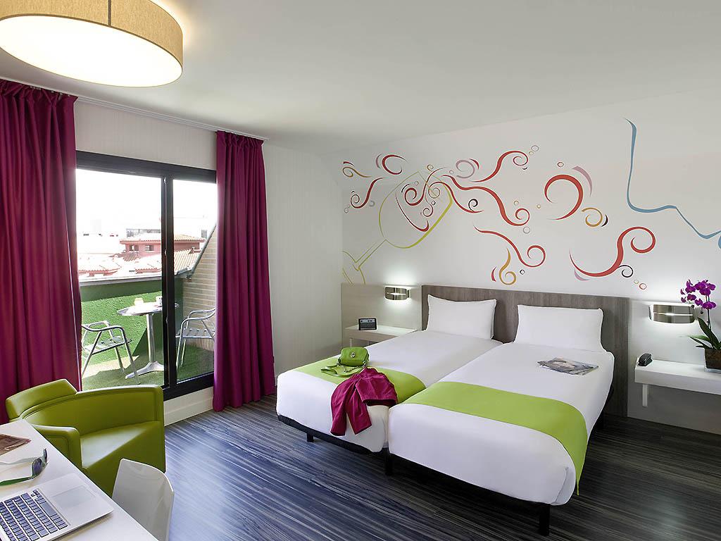 Hotel en madrid reserva en este hotel ibis styles madrid for Hotel ibis styles madrid prado madrid