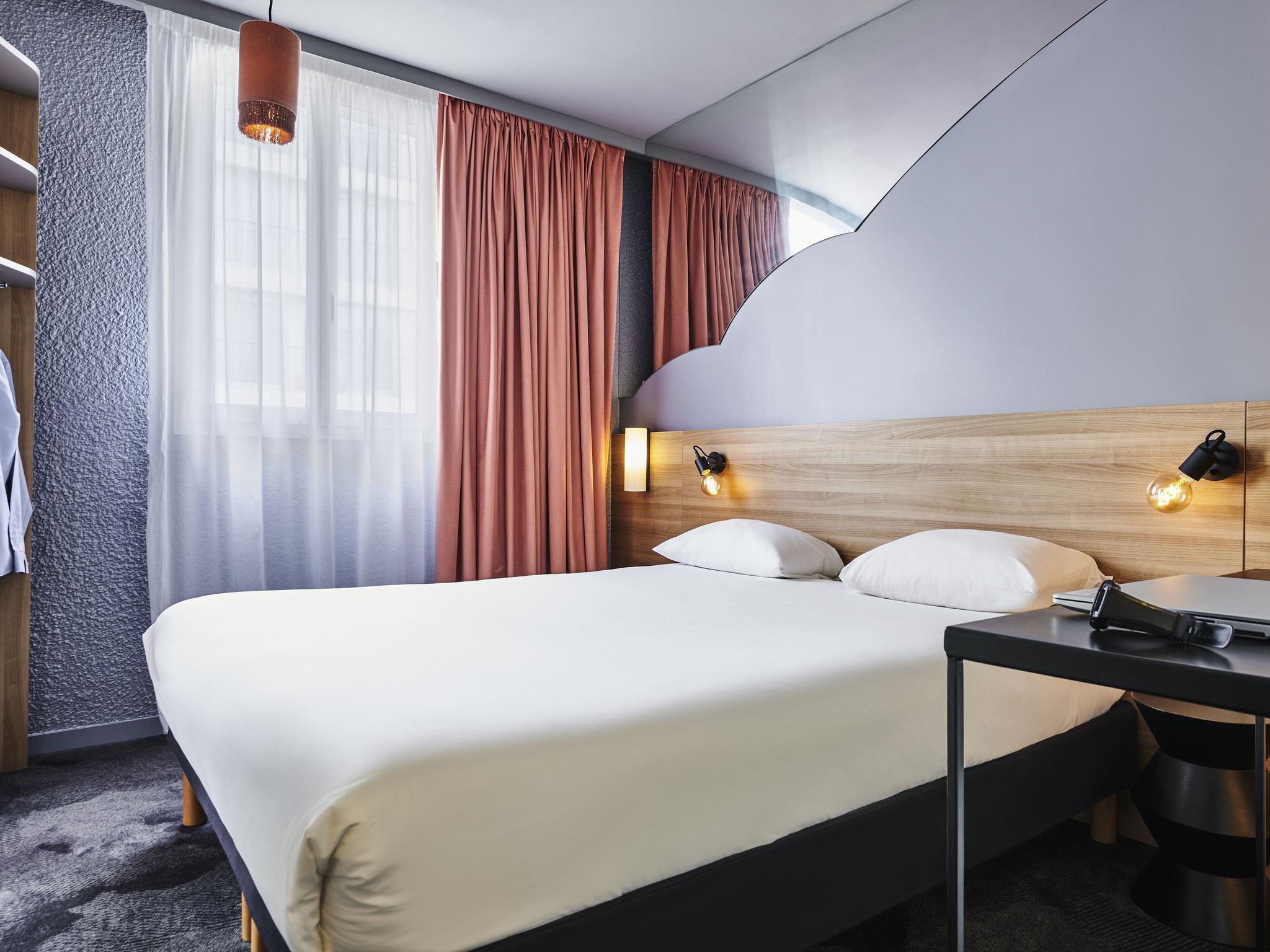 Отель — ibis Styles Париж Алезьа Монтпарнас