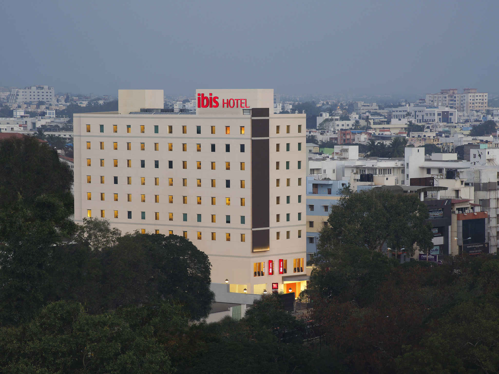 Отель — ibis Coimbatore City Centre