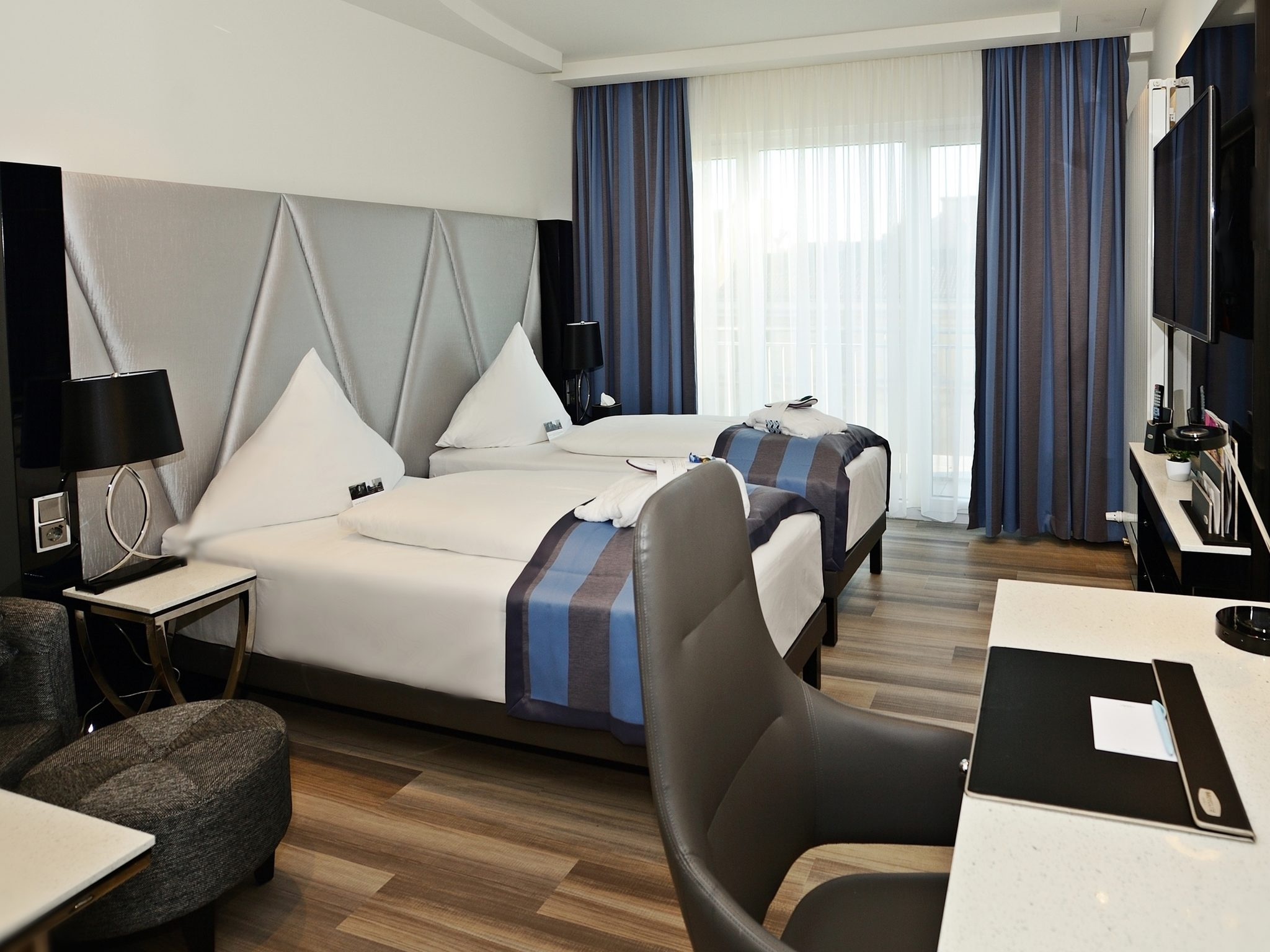 2nd Home Frankfurt mercure hotel kaiserhof frankfurt city center book now