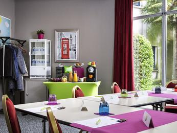 Cheap hotel blois ibis styles blois centre gare - Point p blois ...