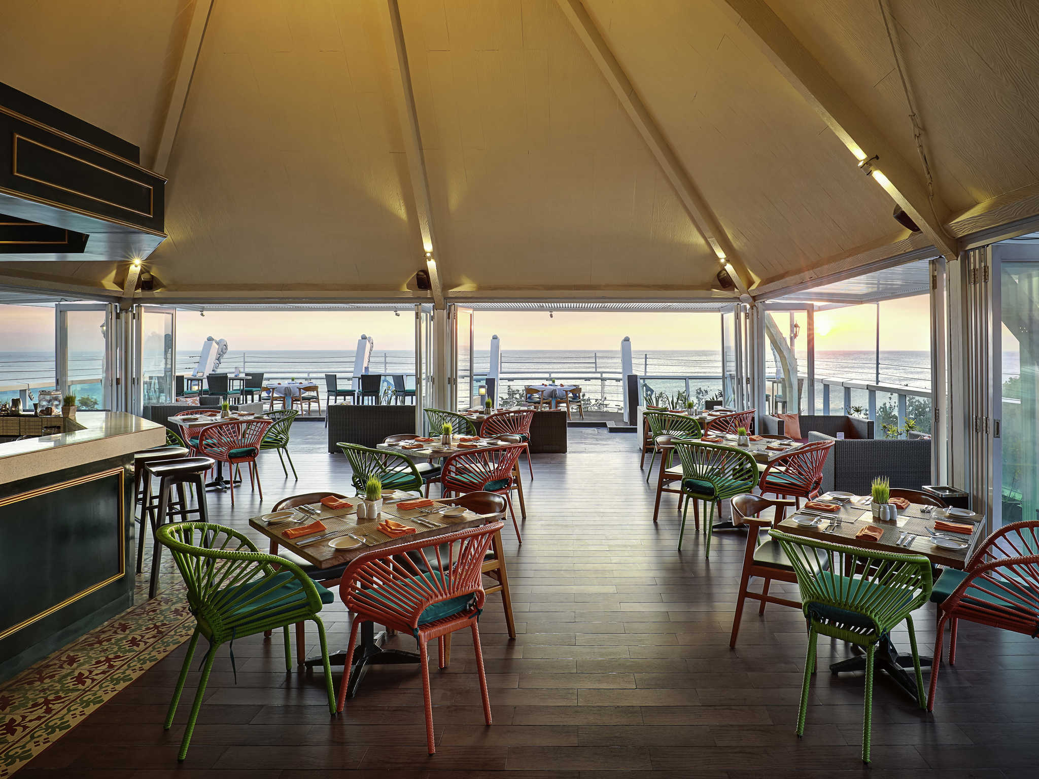 Restaurant The Kuta Beach Heritage Hotel Bali Managed By Accorhotels