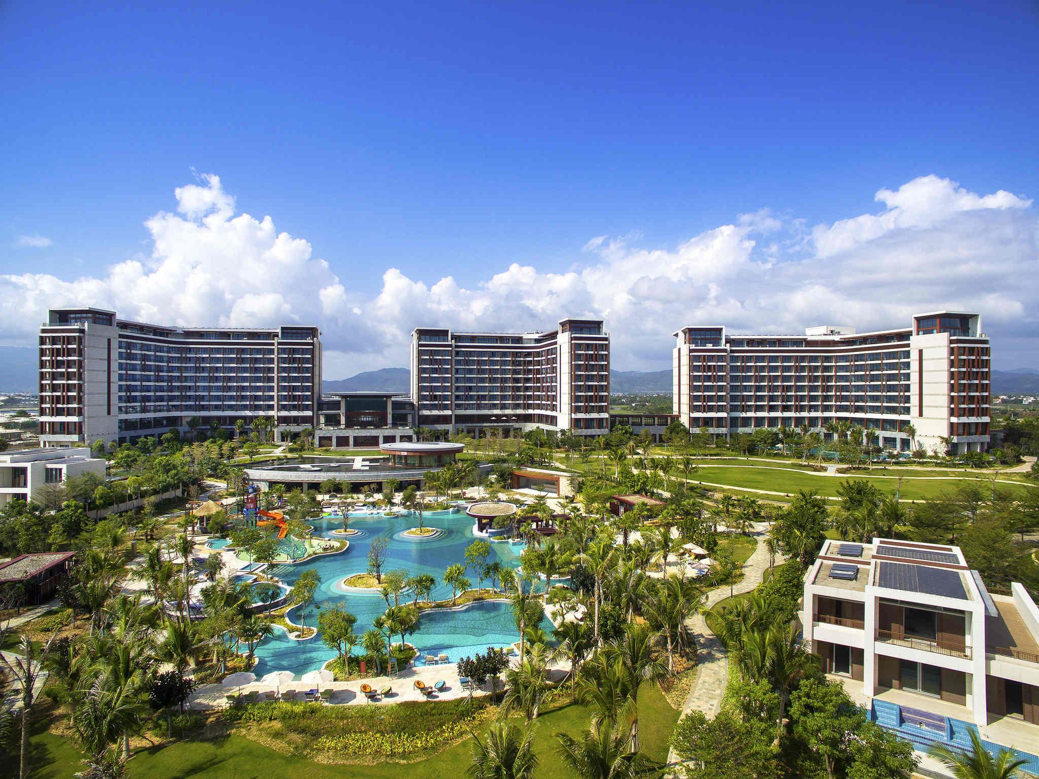โรงแรม – Sofitel Sanya Leeman Resort