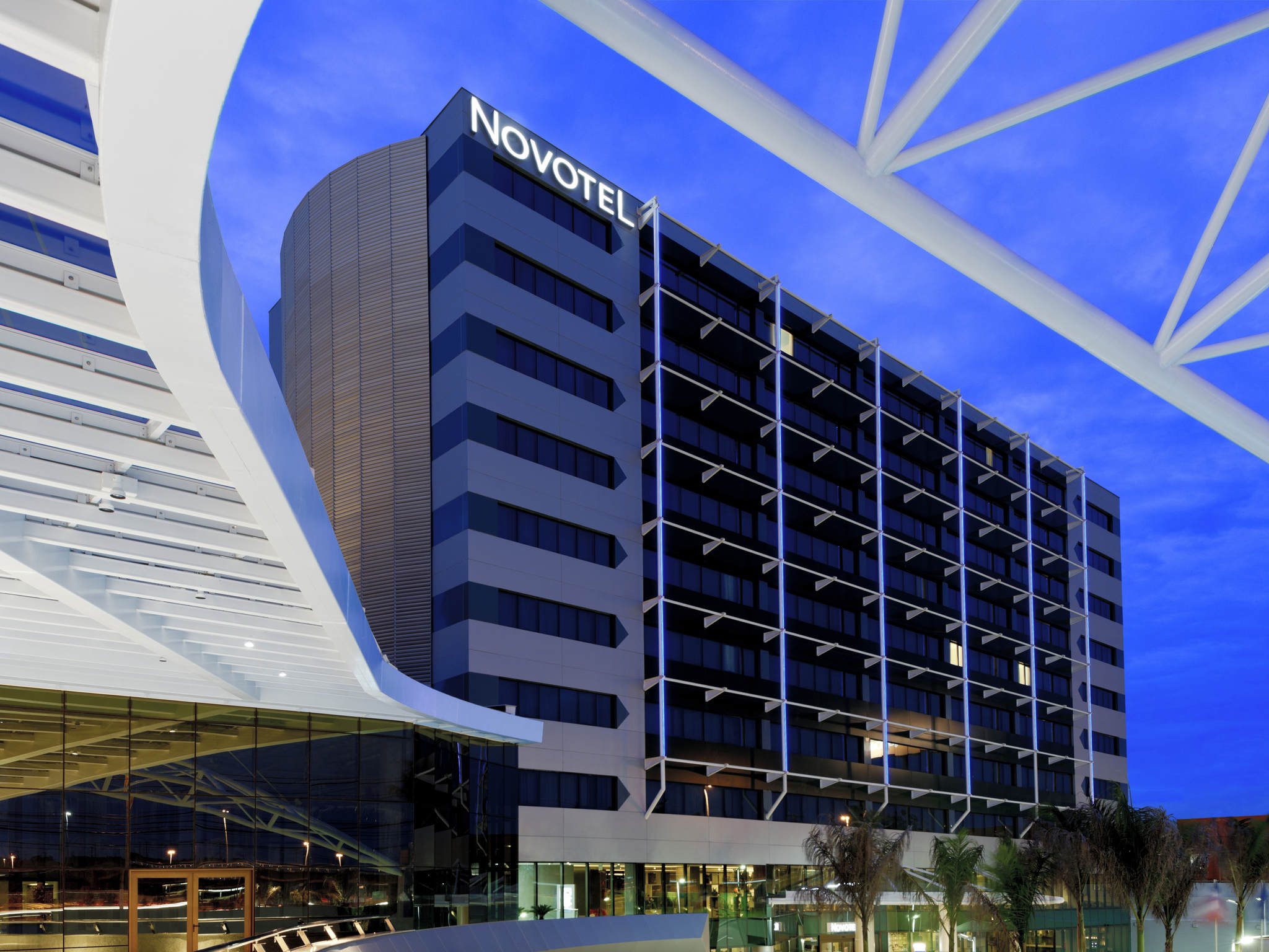 酒店 – 萨尔瓦多汉加诺富特酒店(2013 年 12 月开业)