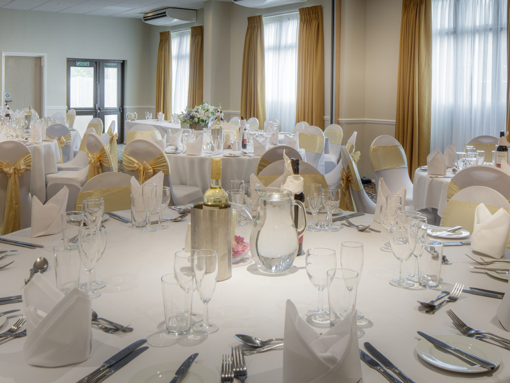 small wedding hotels london%0A     Weddings  Mercure Hatfield Oak Hotel