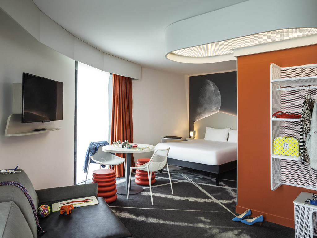hotel pas cher roissy charles de gaulle ibis styles paris charles de gaulle airport. Black Bedroom Furniture Sets. Home Design Ideas