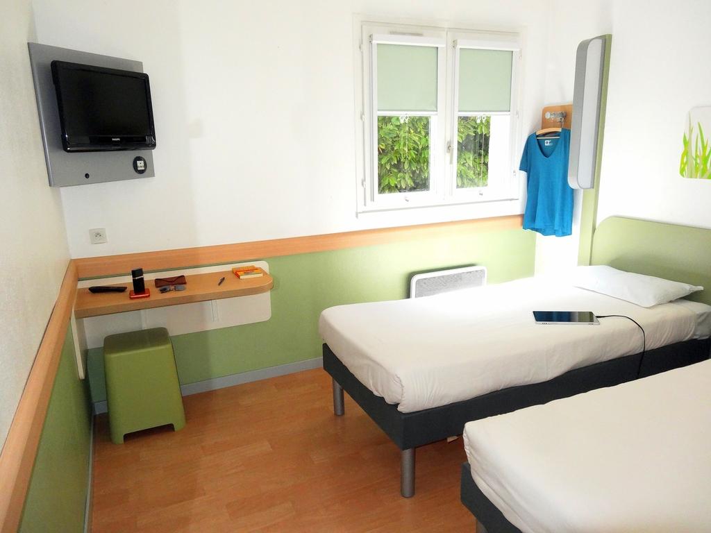 Hotel in st thibault des vignes   ibis budget marne la vallée