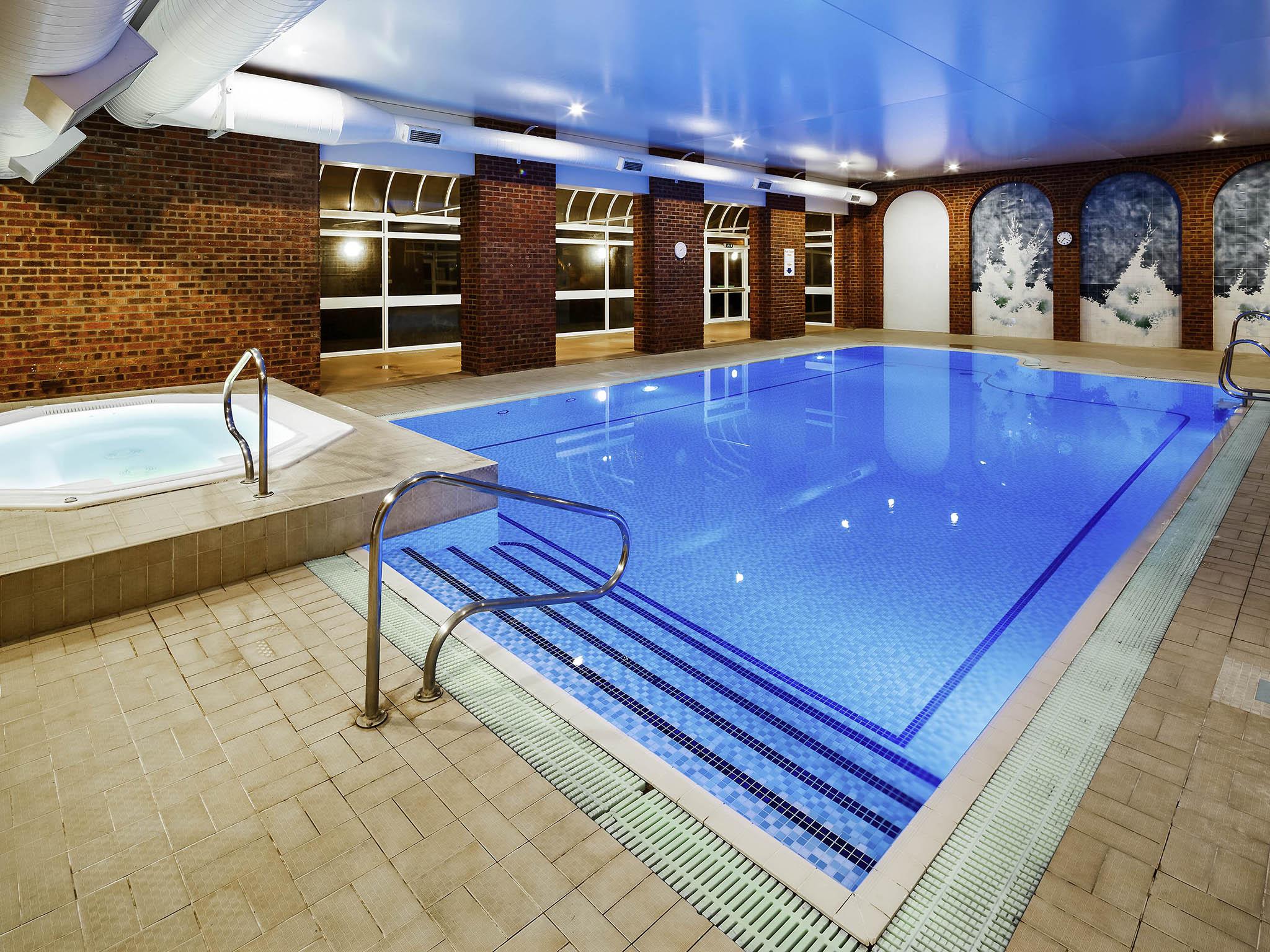 Family Mercure London Watford Hotel