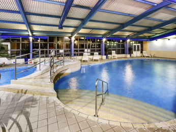 Hotel mercure chester abbots well hotel book your hotel Hotels with swimming pools in chester