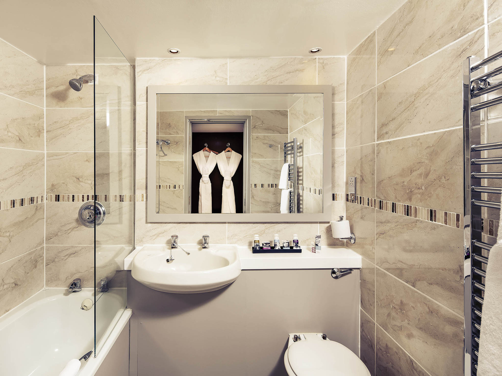 Yorkshire bathrooms leeds bathrooms leeds full bathroom for Bathroom design leeds