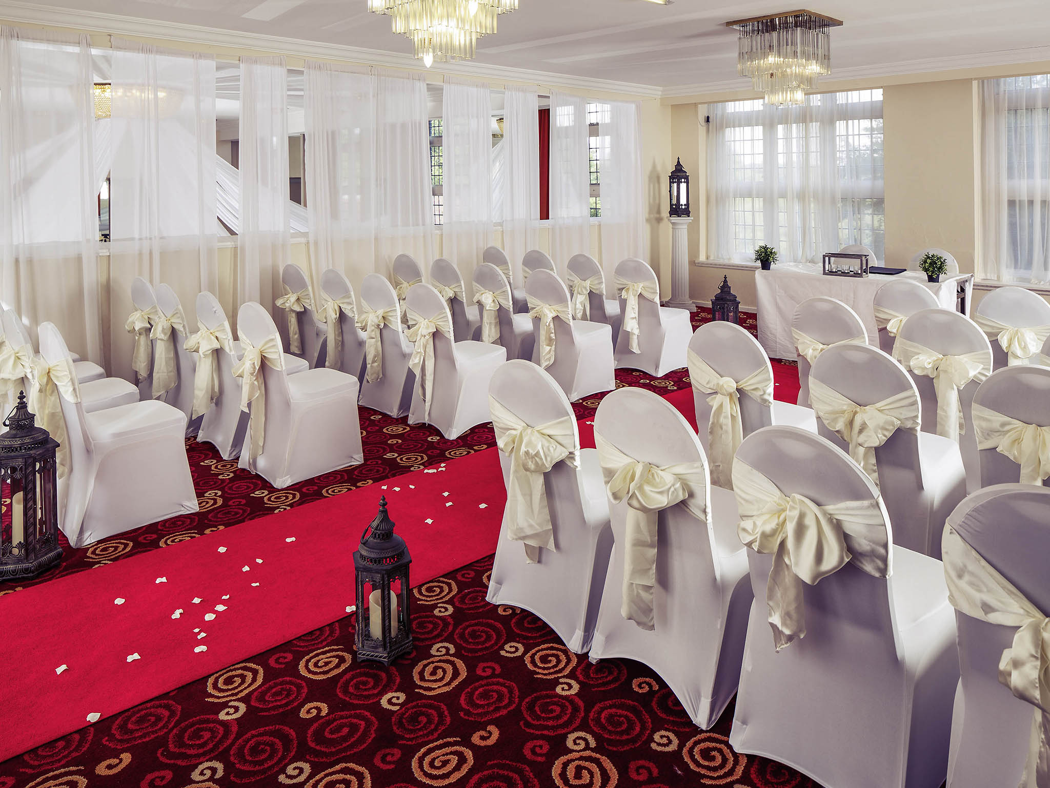 Leeds wedding venues budget golf