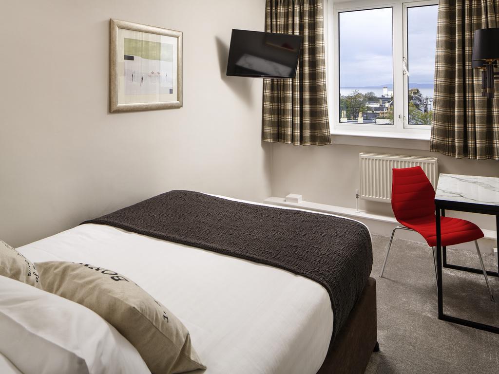 Habitación de hotel doble reservada
