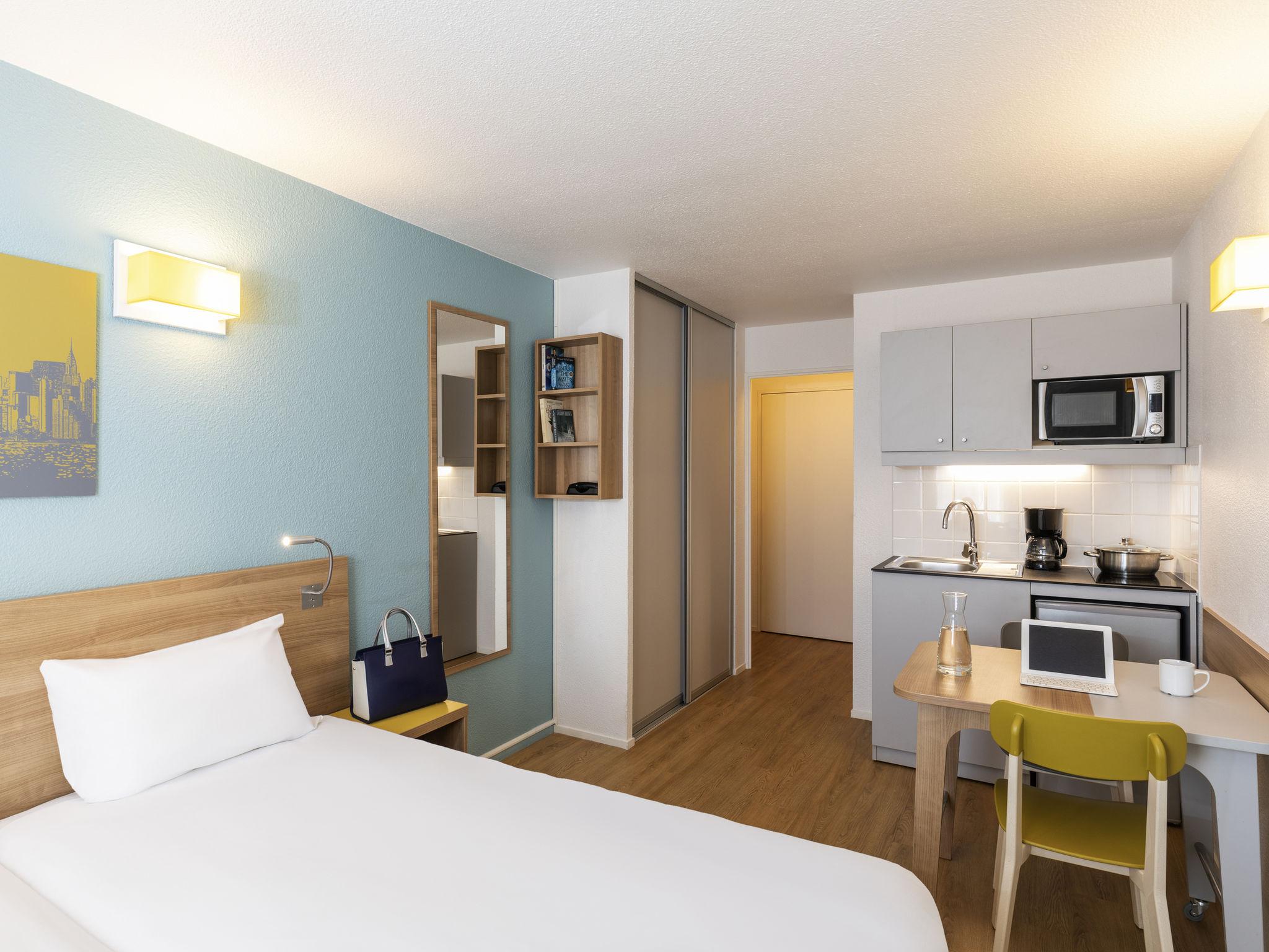 Отель — Апарт-отель Adagio access Ла-Дефанс Площадь Шарра