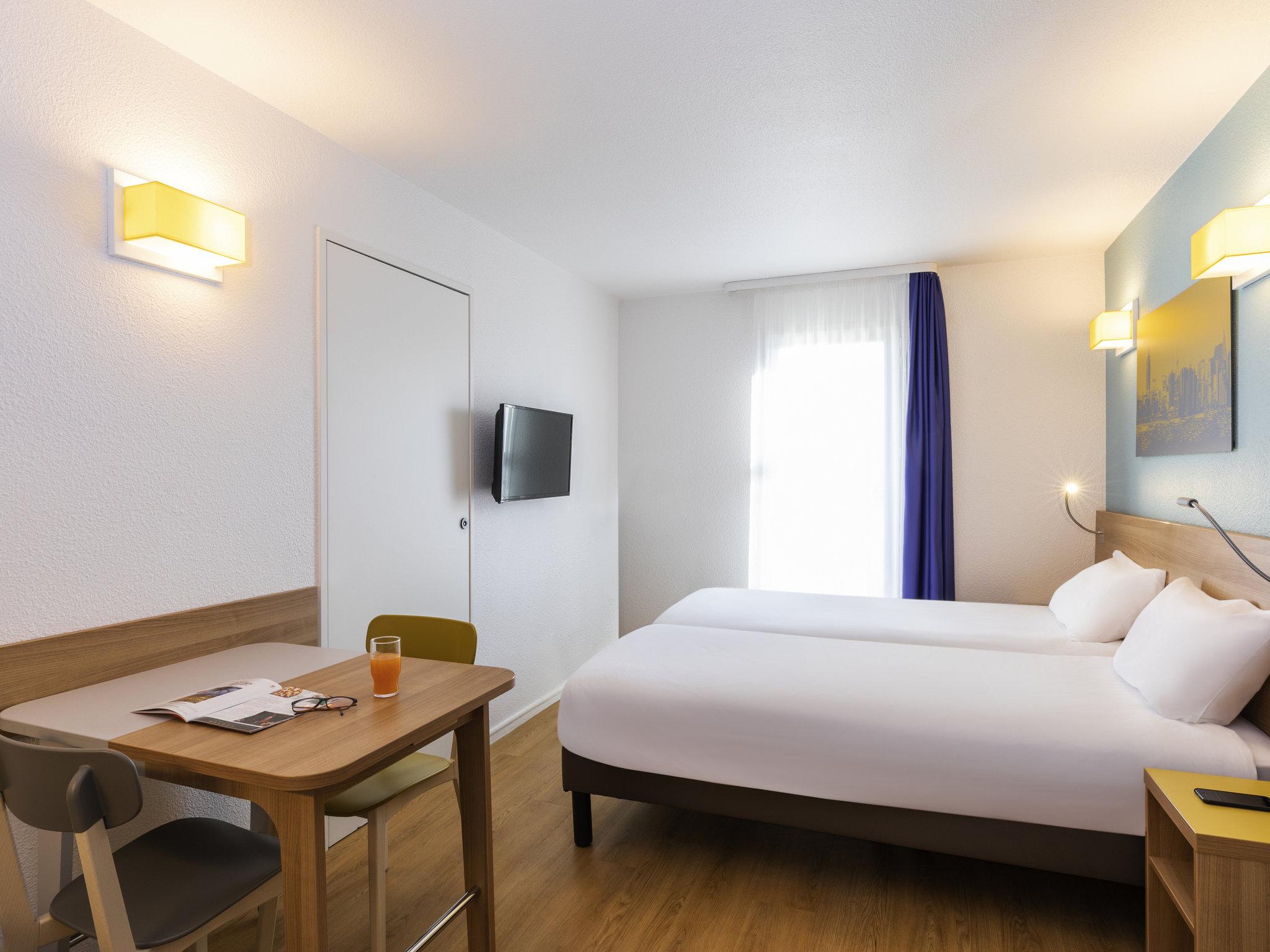 H tel courbevoie aparthotel adagio access la d fense for Apart hotel maison alfort