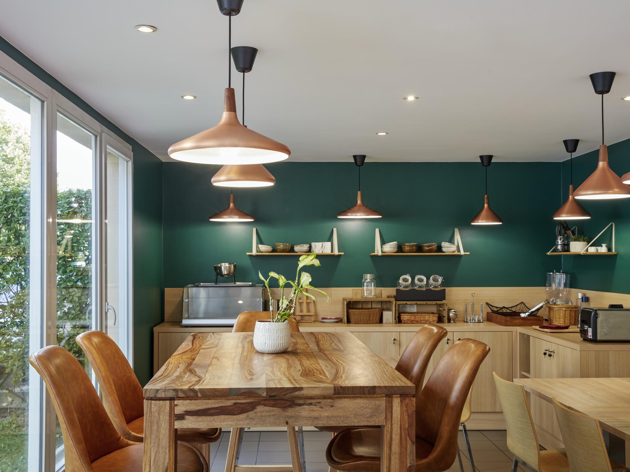Отель — Aparthotel Adagio access Carrières-sous-Poissy