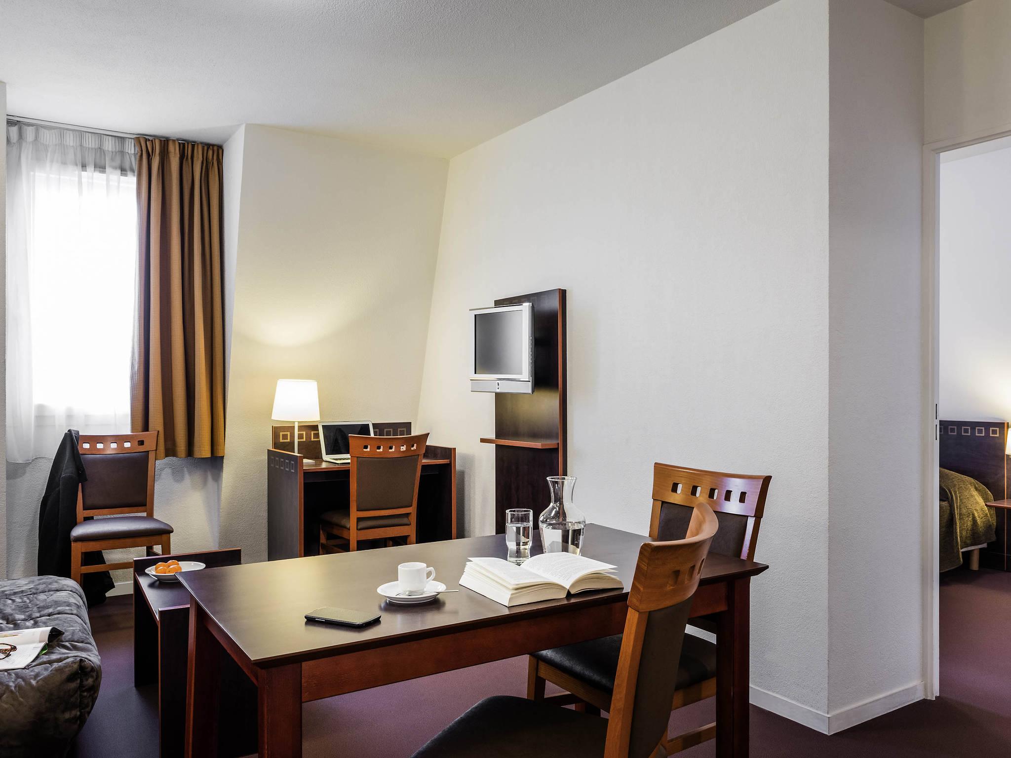 H´tel  CHARENTON LE PONT Aparthotel Adagio access Paris Porte