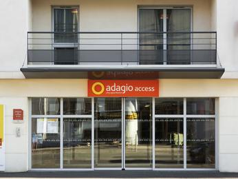 hotel in poitiers aparthotel adagio access poitiers. Black Bedroom Furniture Sets. Home Design Ideas