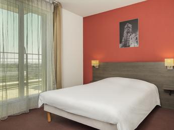 Aparthotel Adagio access Tours