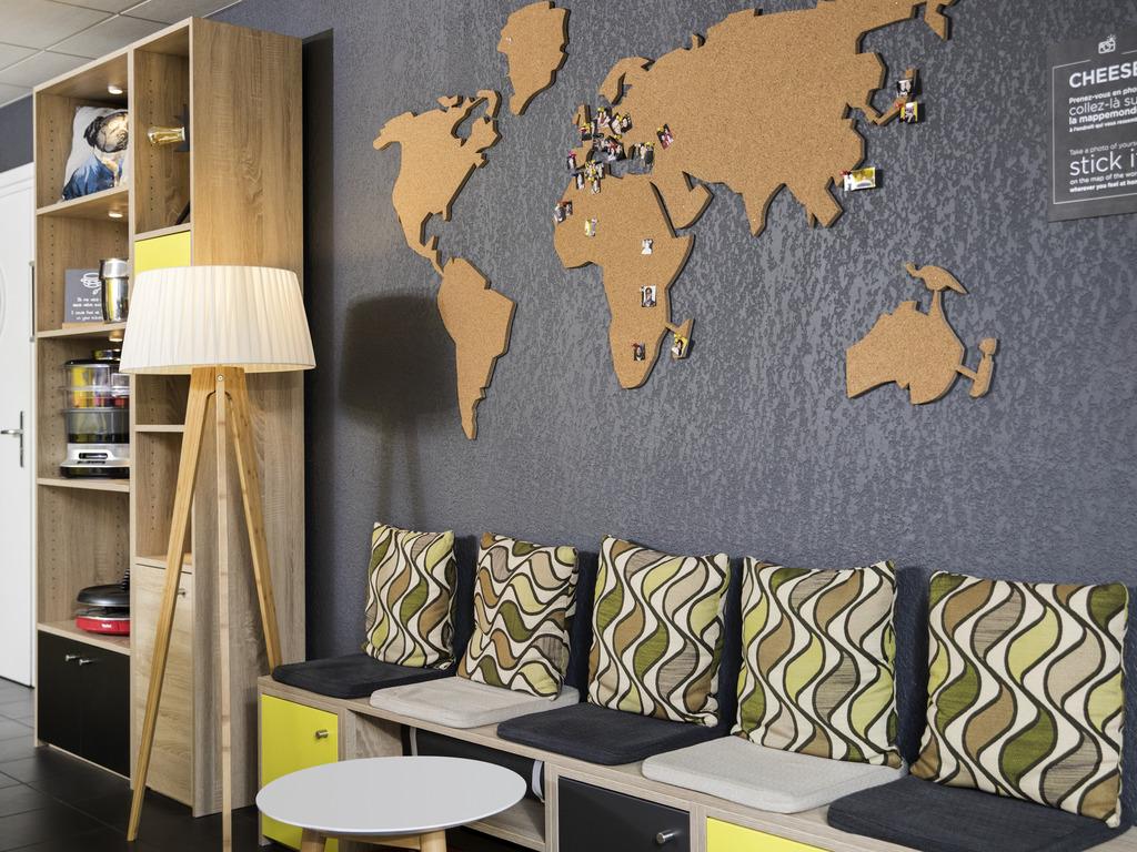 hotel in strasbourg aparthotel adagio access strasbourg petite france. Black Bedroom Furniture Sets. Home Design Ideas