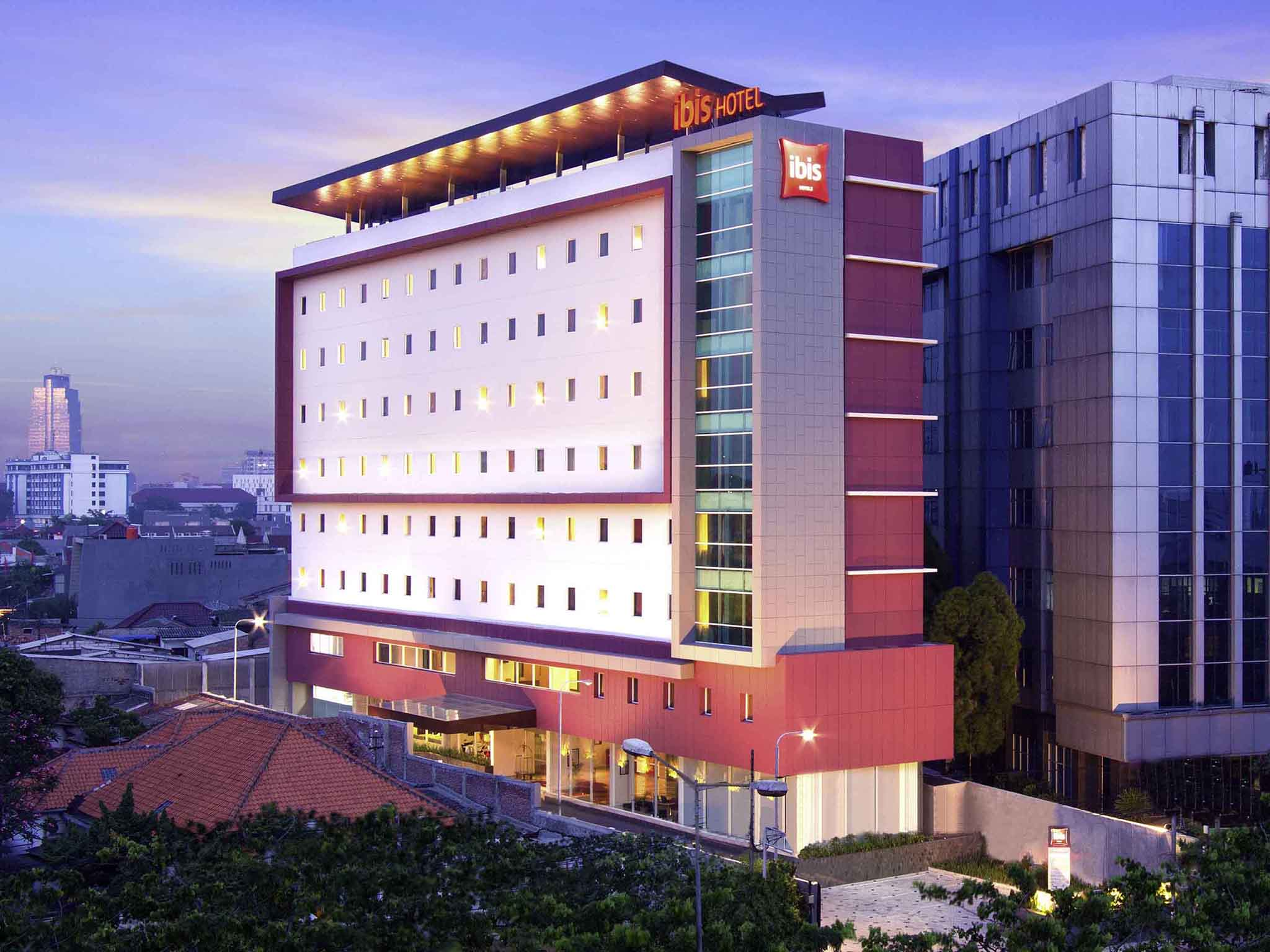 Отель — ibis Джакарта Сенен