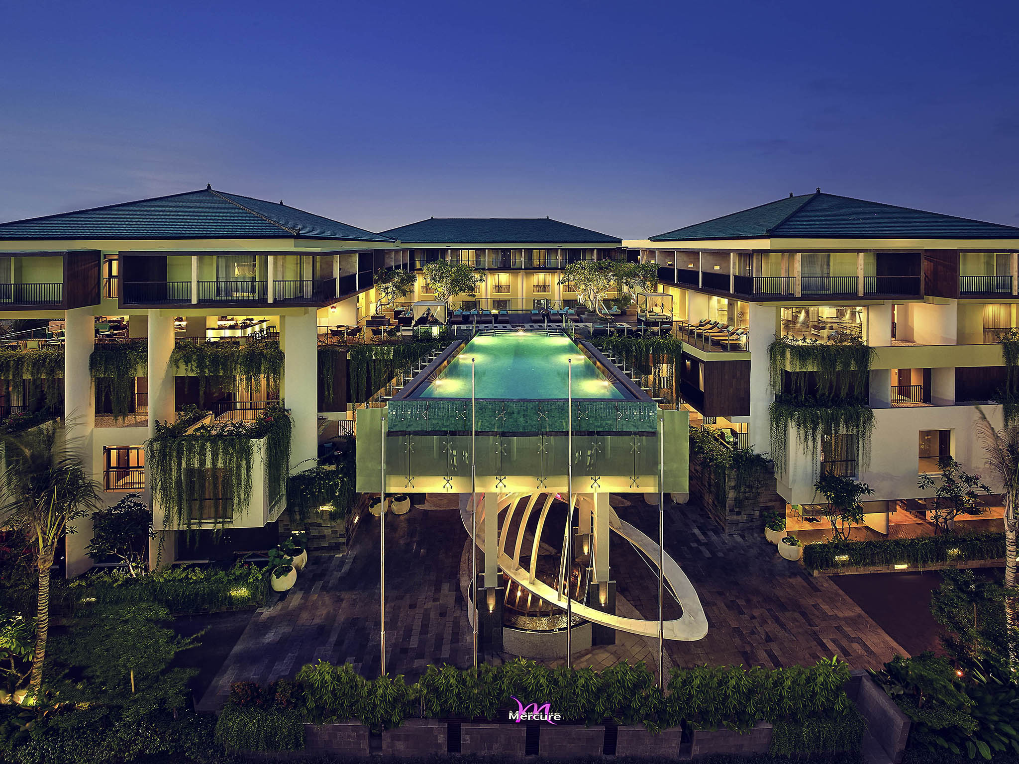 Отель — Mercure Бали Легиан