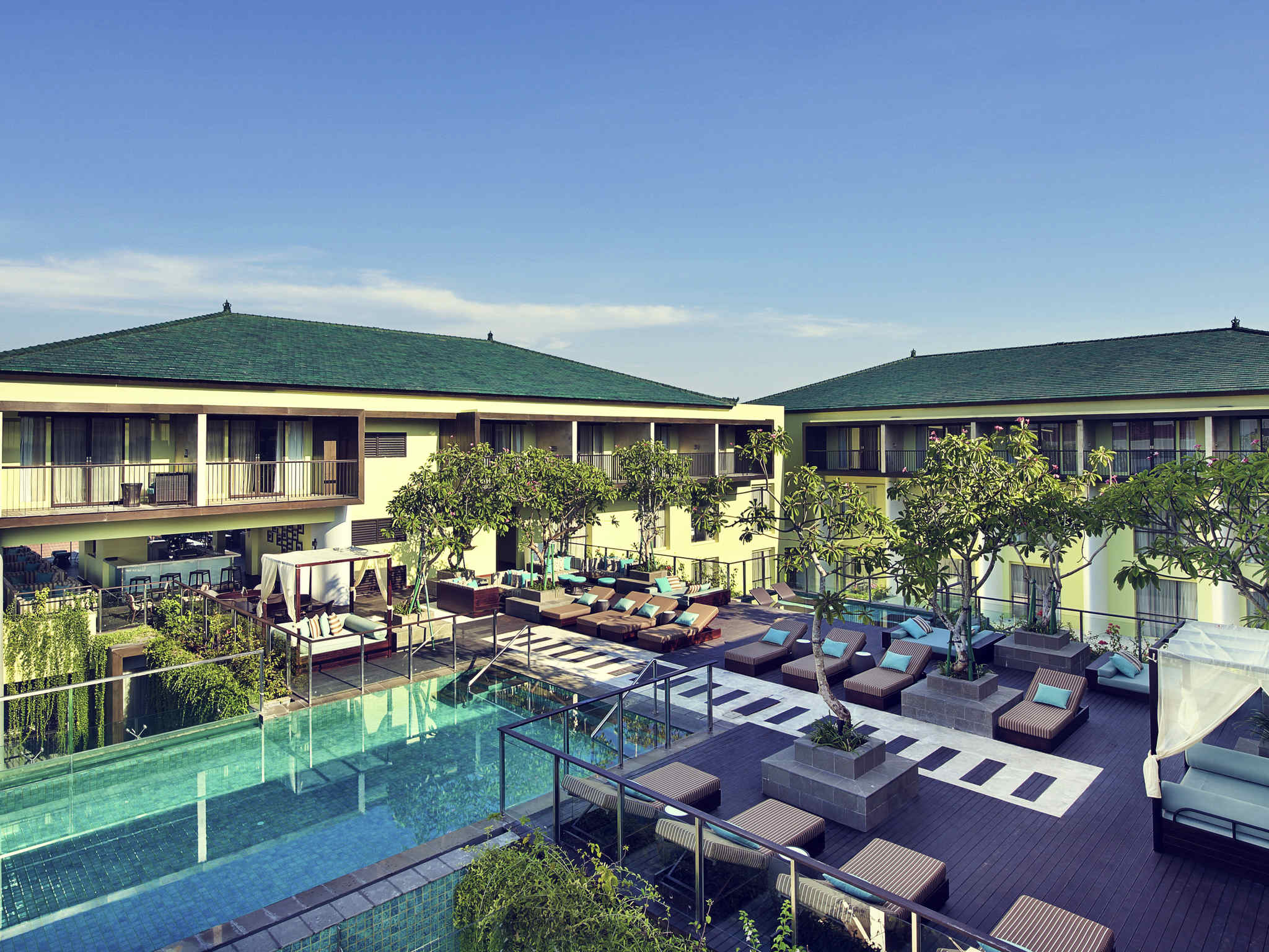 Mercure bali legian near seminyak and kuta accorhotels for Hotels in legian bali