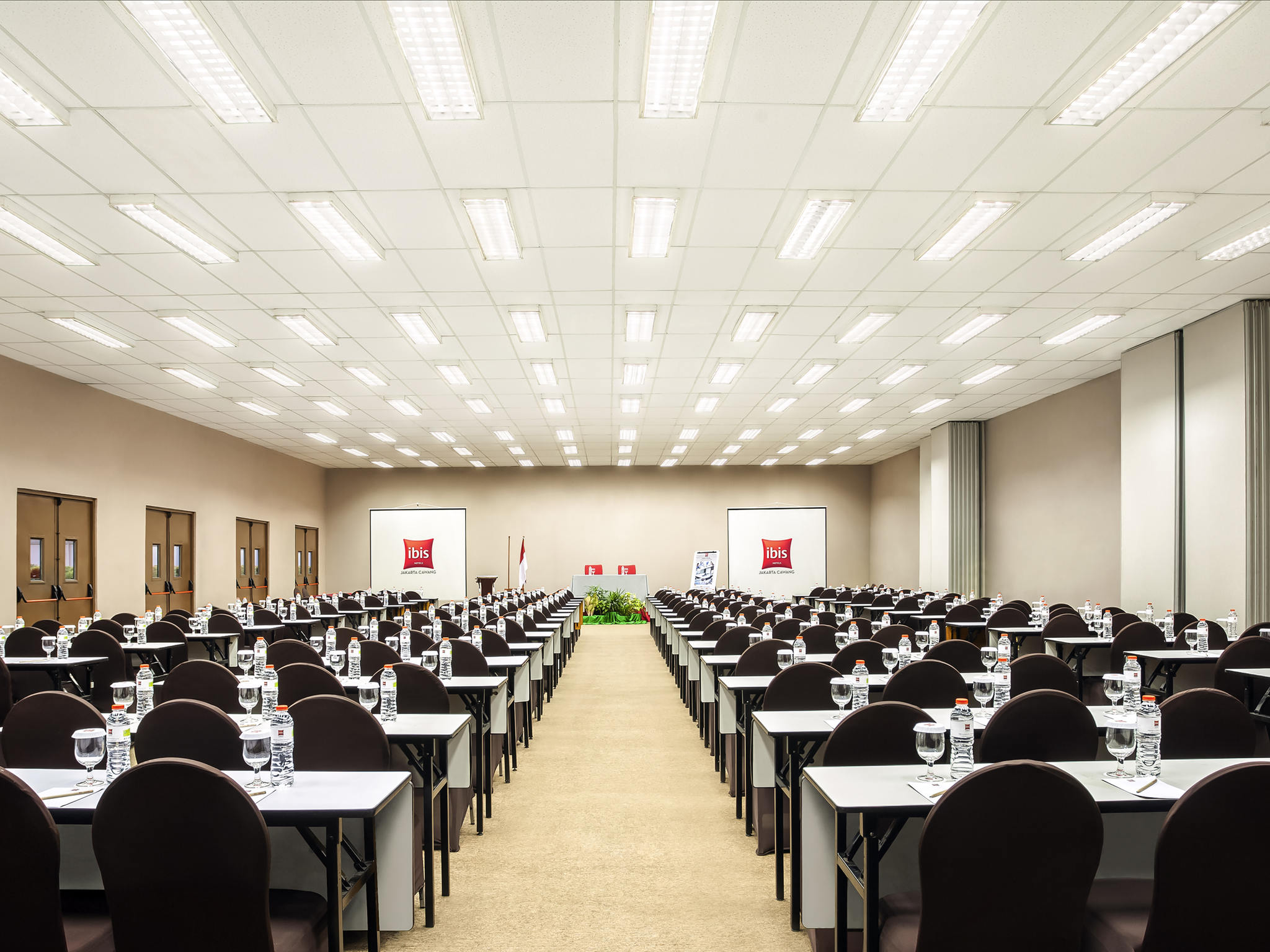 โรงแรม – ไอบิส จาการ์ตา เซนทรัล คาวัง